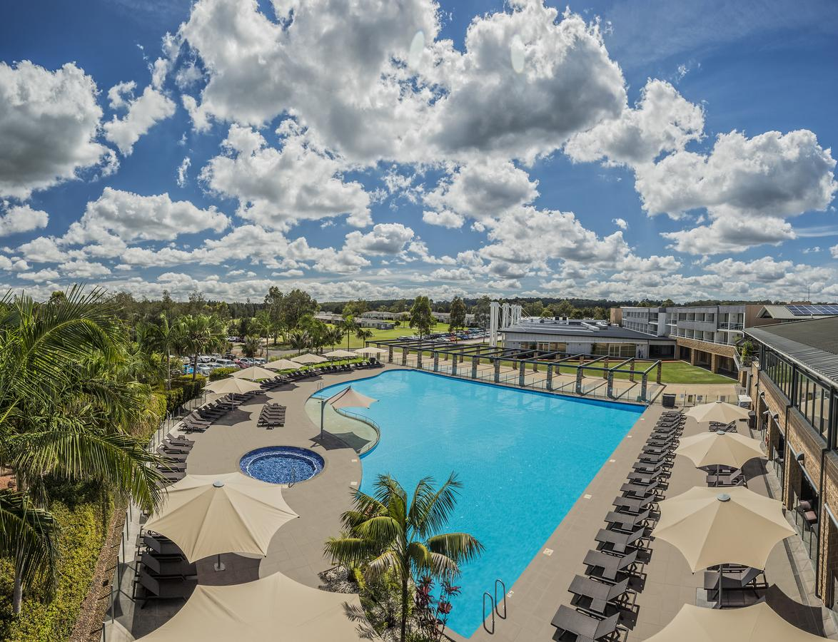 Crowne Plaza Hunter Valley - Lightning Ridge Tourism