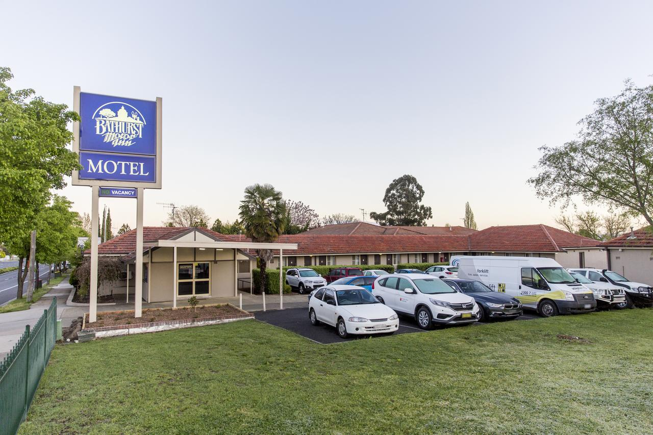 Bathurst Motor Inn - Lightning Ridge Tourism