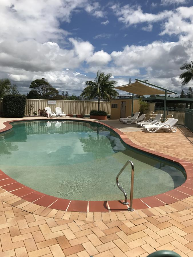 Oxley Cove Holiday Apartment - Lightning Ridge Tourism