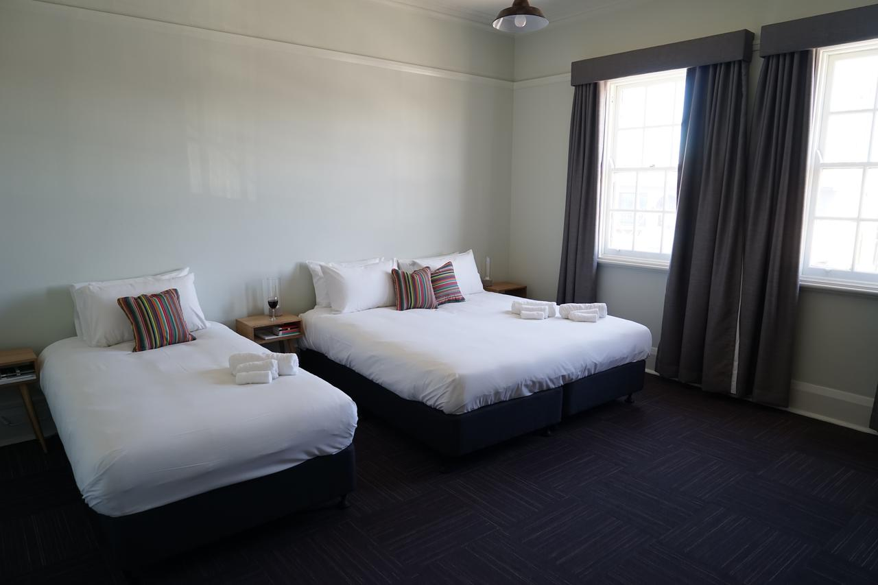 Rosehill Hotel - Lightning Ridge Tourism