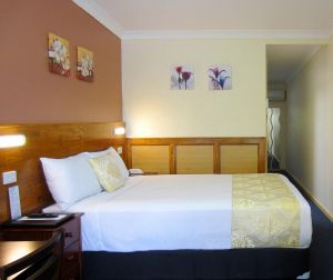 Highway Motor Inn Taree - Lightning Ridge Tourism
