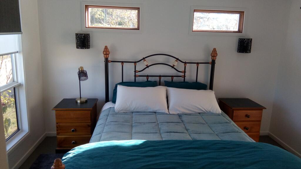 Corner Cottage Self Contained Suite - Geneva in Kyogle - Lightning Ridge Tourism