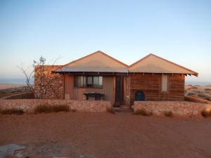 Gnaraloo Station - Homestead - Lightning Ridge Tourism