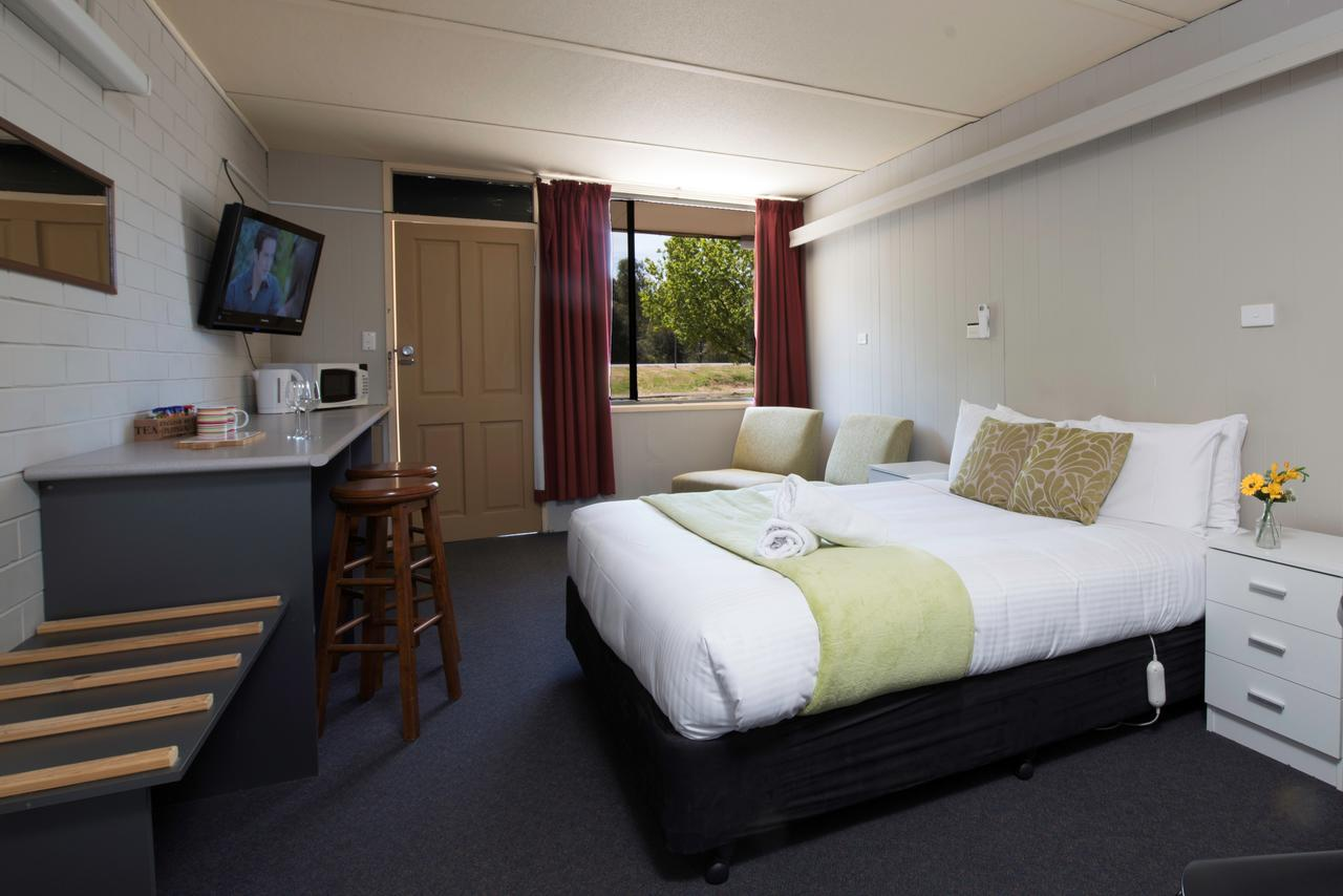 Bridgewater Motel - Lightning Ridge Tourism
