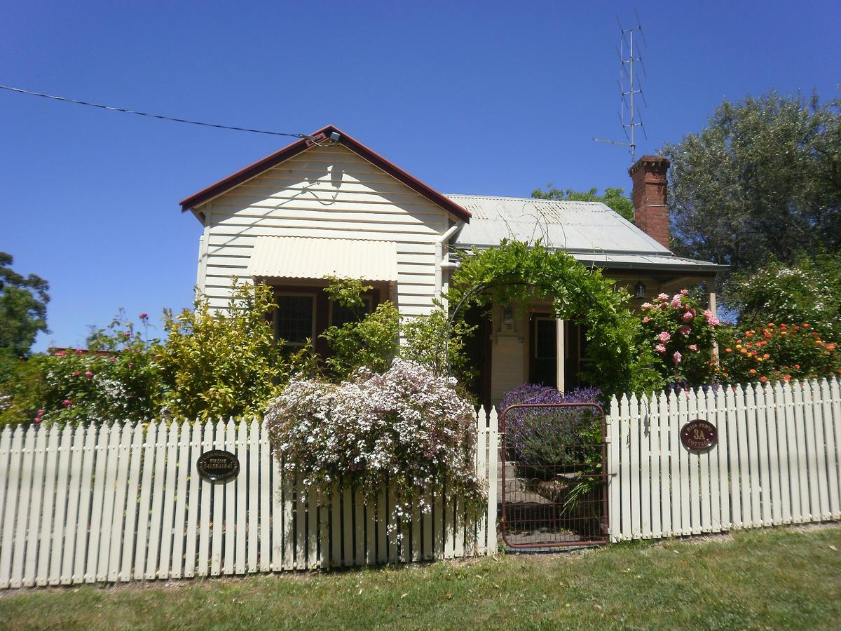 Miss Pym's Cottage - Lightning Ridge Tourism