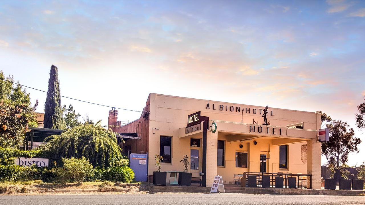 Albion Hotel and Motel Castlemaine - Lightning Ridge Tourism