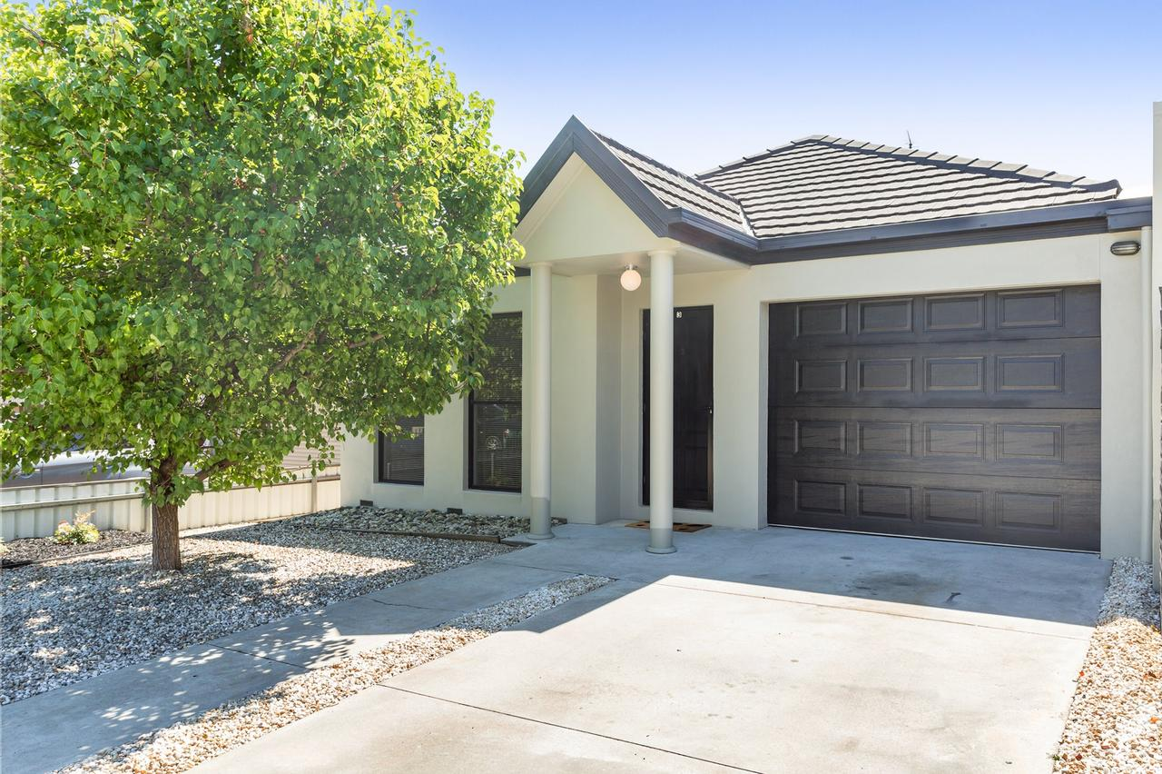Black Lotus Townhouse - Lightning Ridge Tourism