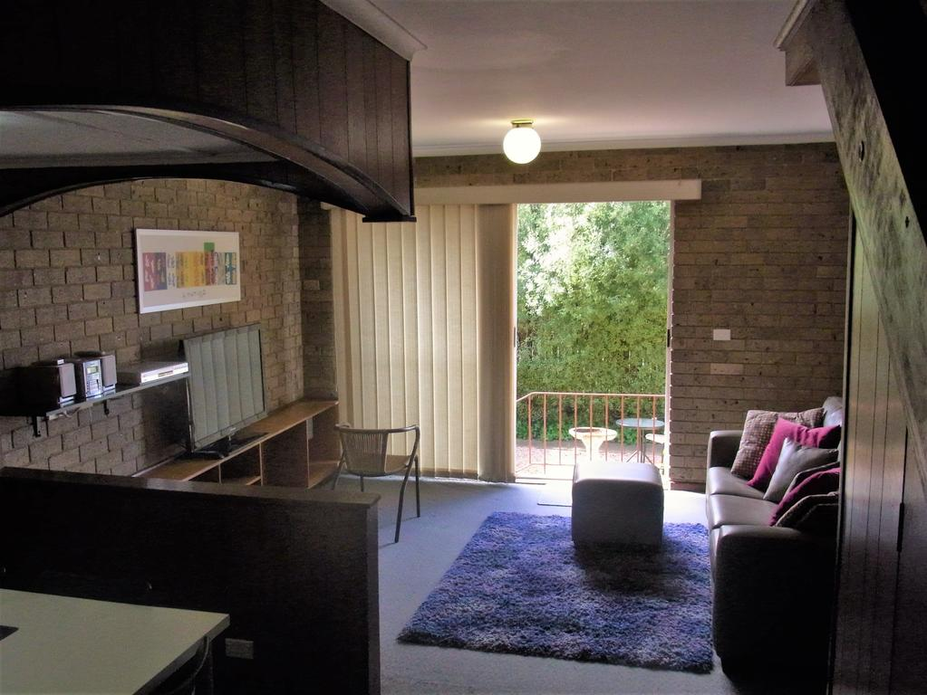 A Furnished Townhouse in Goulburn - Lightning Ridge Tourism