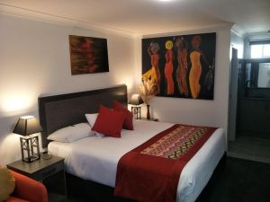 Alabaster Motor Inn - Lightning Ridge Tourism