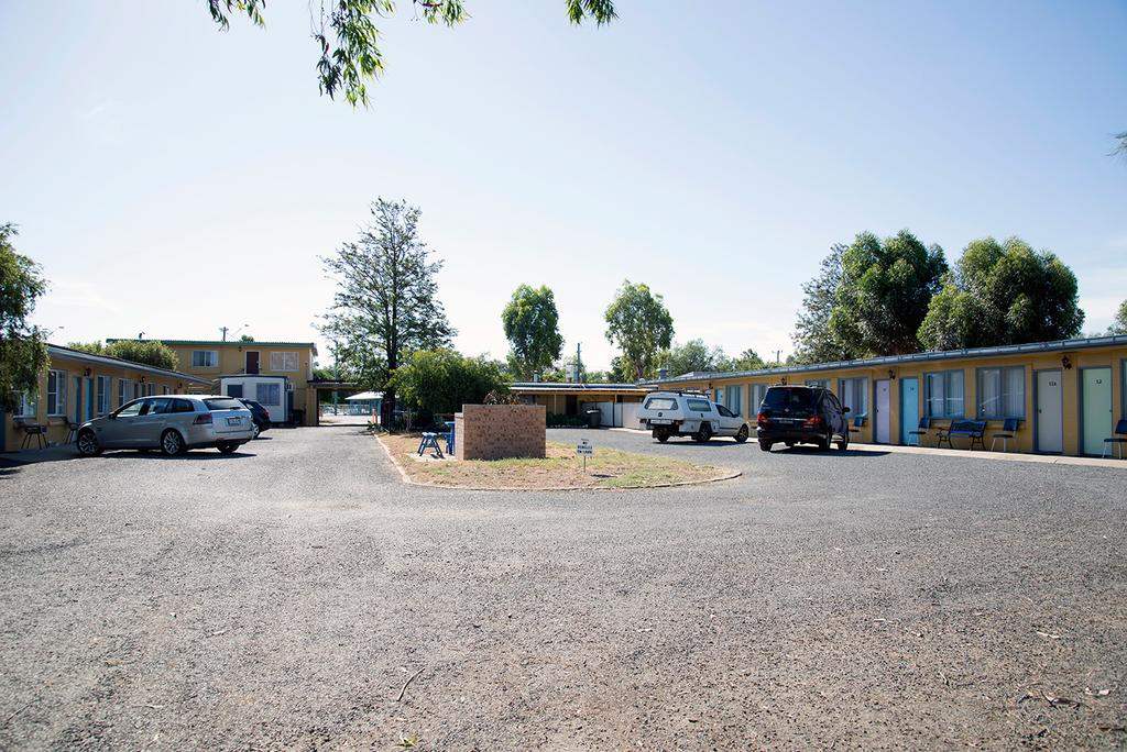 Artesian Motor Inn - Lightning Ridge Tourism